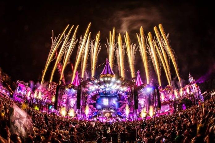 Tomorrowland adiado