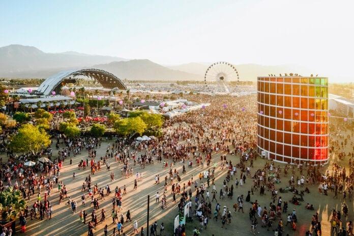 Coachella adiado novamente